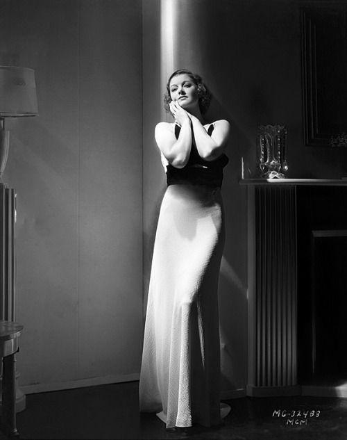 Myrna Loy 1933 publicity photo