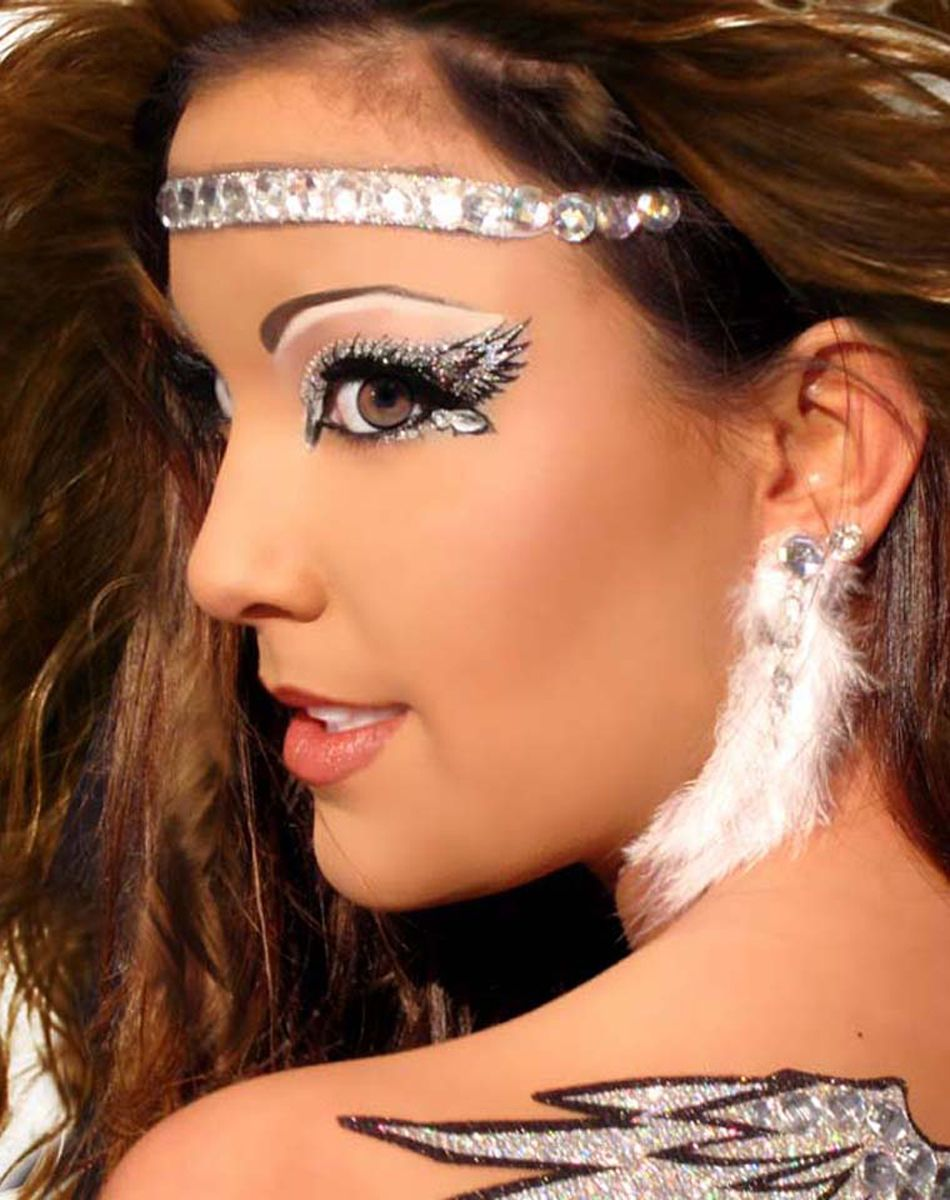 halloween eye makeup ideas with the silvery and sexy angelic eye makeup - Halloween Angel Makeup Ideas