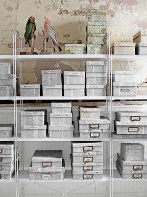 Cajas Con Papel De Periódico Decoracion Cajas De Carton Cajas Viejas Sala De Almacenamiento Artesanal