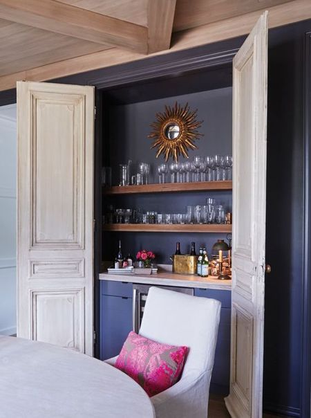 Discover Elegant and Luxurious Design Ideas for Your Home Bar images