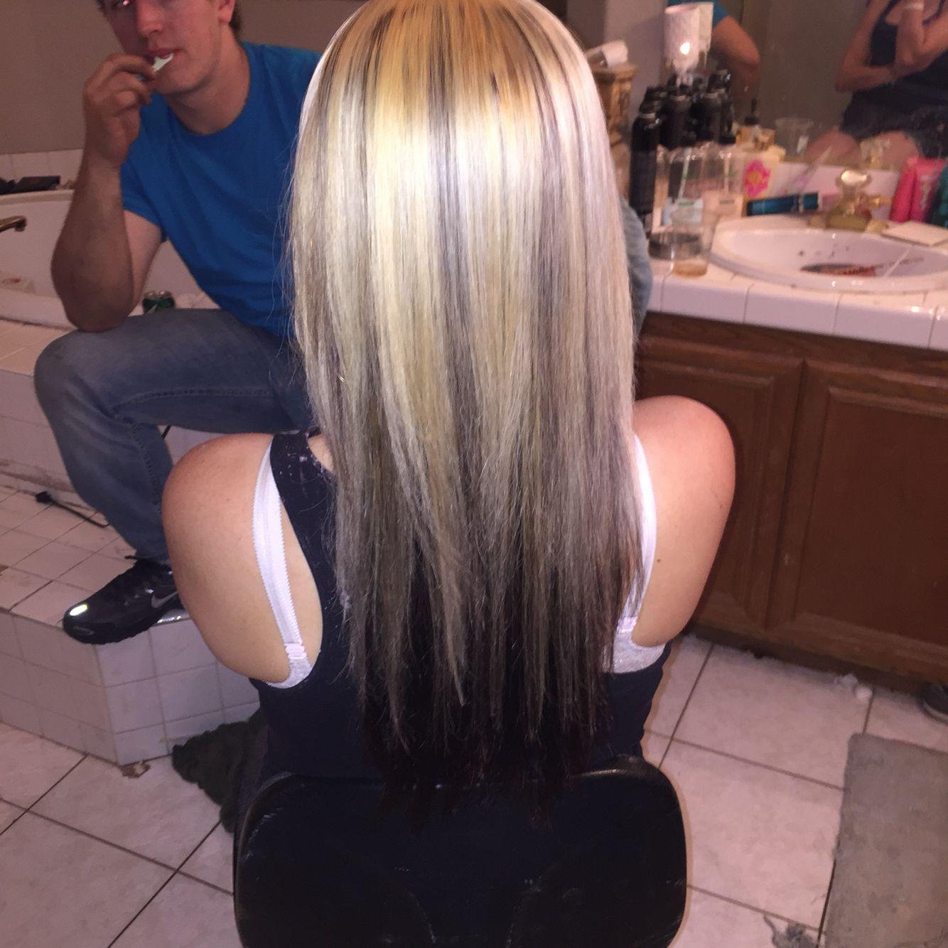 40 Cute Blonde On Top Brown Underneath Hairstyles Pictures In 2020 Blonde Hair With Brown Underneath Dark Underneath Hair Hair Color Dark