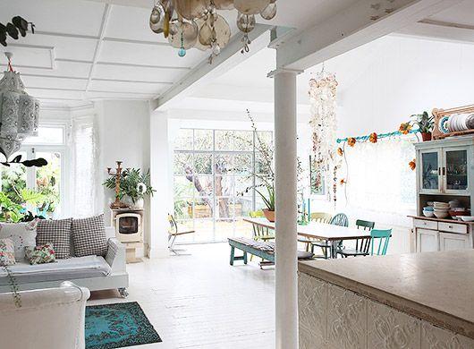 Vintage Furnishings In Light Locations London Living Room Sfgirlbybay Home London Living Room My Scandinavian Home