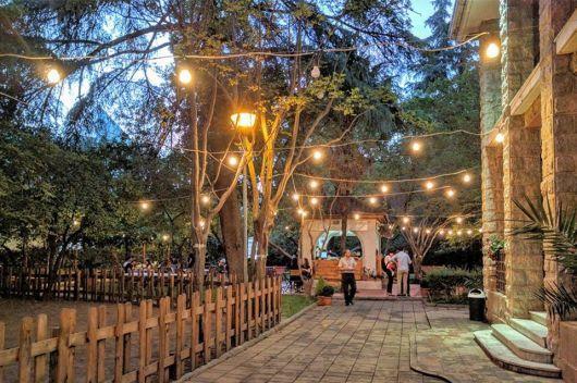 Awesome Lincoln Garden Cafe Tirana (by Lincoln Garden Cafe)