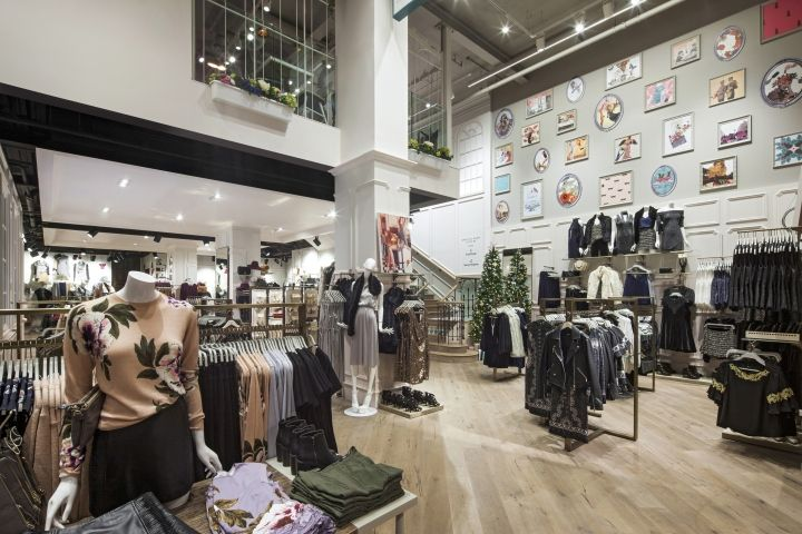 Oasis Flagship Store At Tottenham Court Road By Dalziel