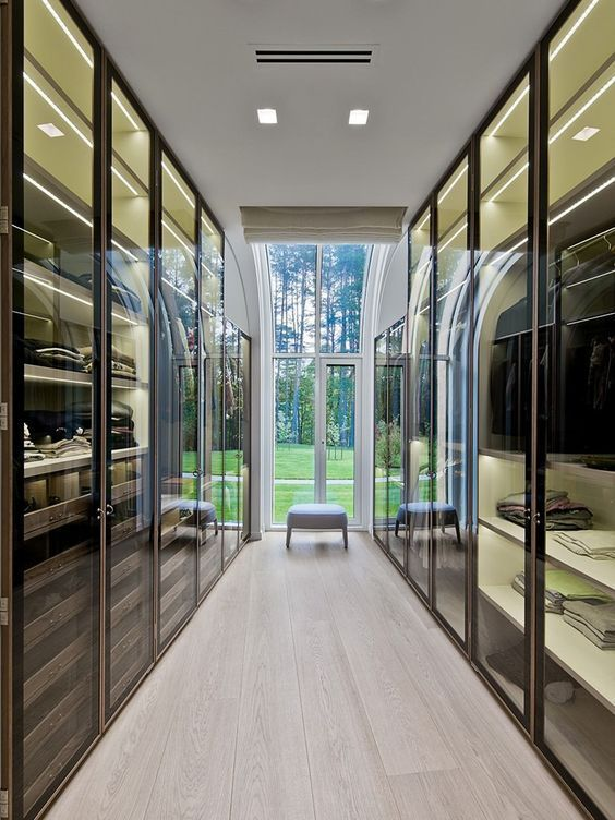 Get to know the best of luxury closet design in a selection curated by Boca do Lobo to inspire interior designers looking to finish their projects. Discover unique walk-in closet setups by the best furniture makers out there #luxurywalkincloset