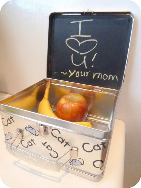 Chalk paint INSIDE their lunchbox!!! I love writing notes to my little gal, what a great idea :)