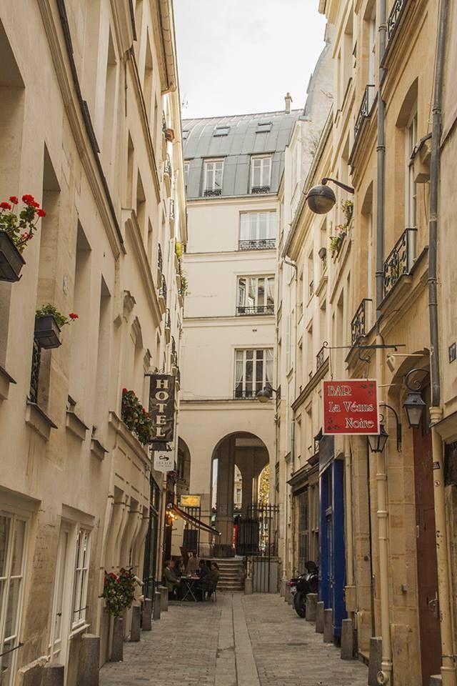 Petite Rue De L Hirondelle Pres De La Place St Michel Paris 6e
