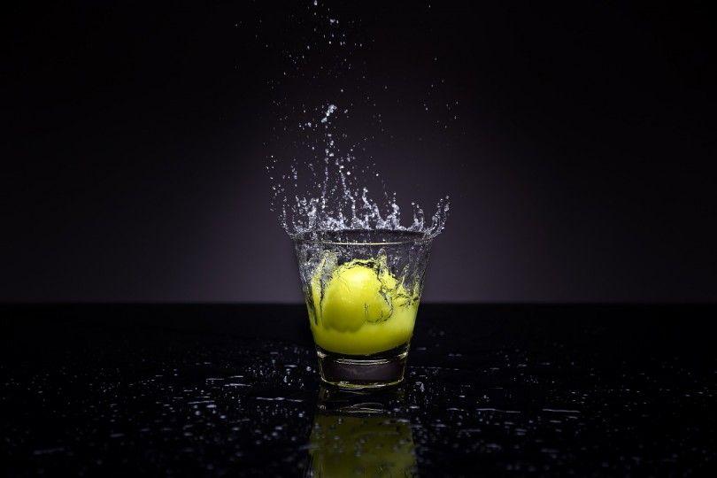 Jednoduché, lacné a zdravé! Teplá voda s citrónom robí zázraky