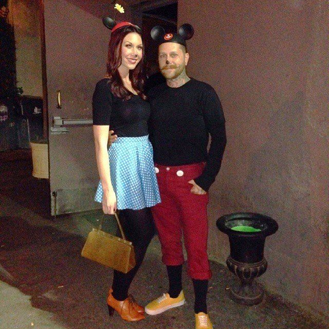 50+ Adorable Disney Couples Costumes Disney couple costumes - halloween duo ideas