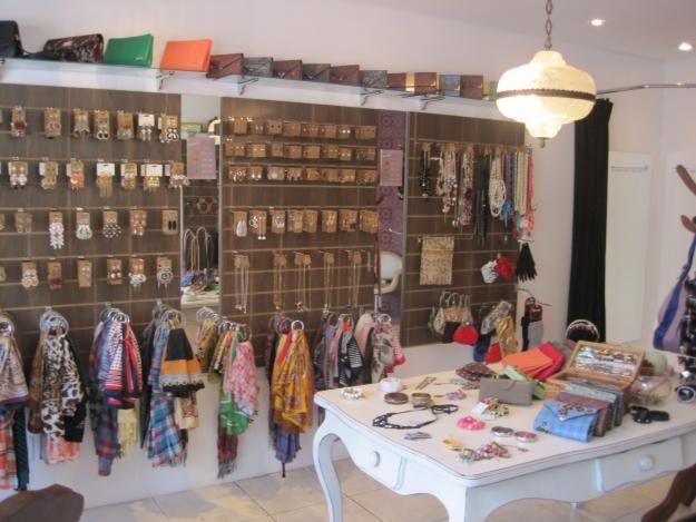 96bc35bda Fotos de Vendo loja de bijuterias