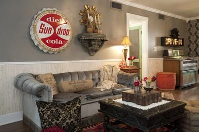 Junk Gypsies Surprise Their Parents With A Room Overhaul See MORE Makeovers