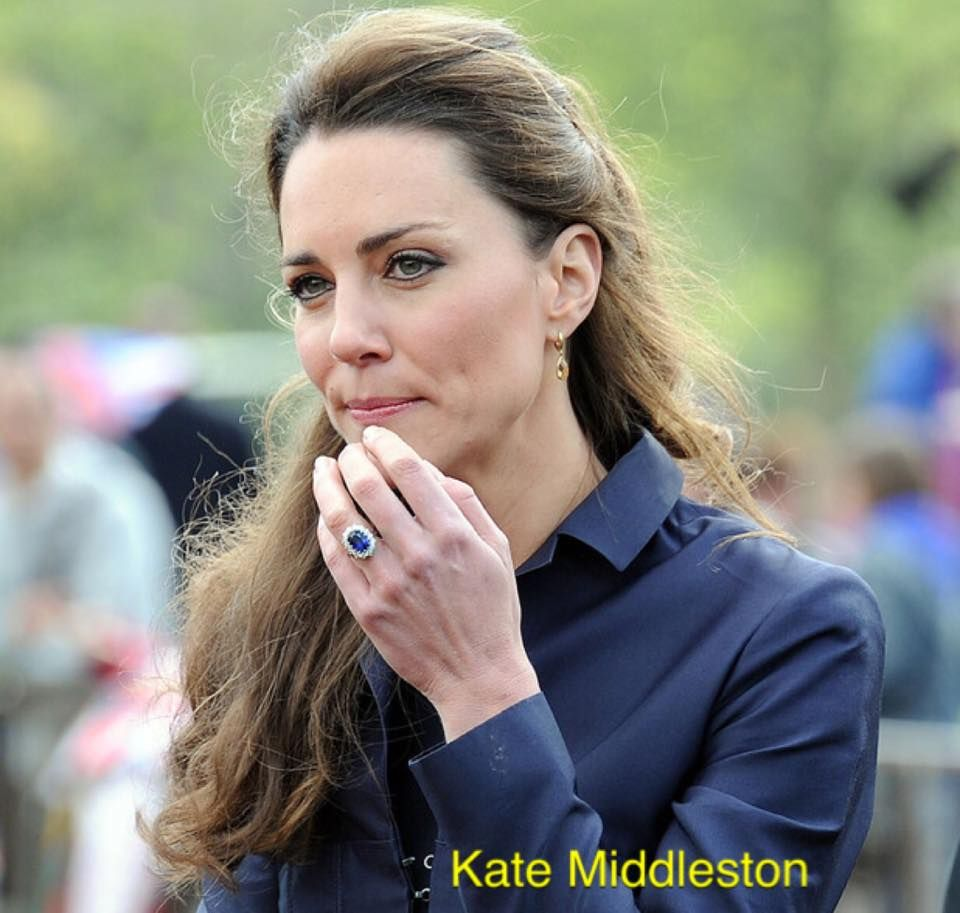 princess kate engagement ting blue sapphire engagement rings