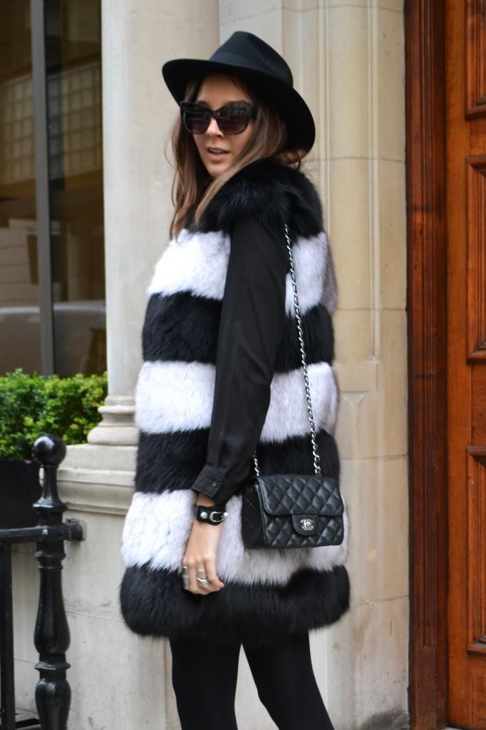Serendipity2307 Stripe Fur Gilet Chanel Mini Flap Bag Ash Boots Studded Fedora Hat Streetstyle Rita Ora All Black
