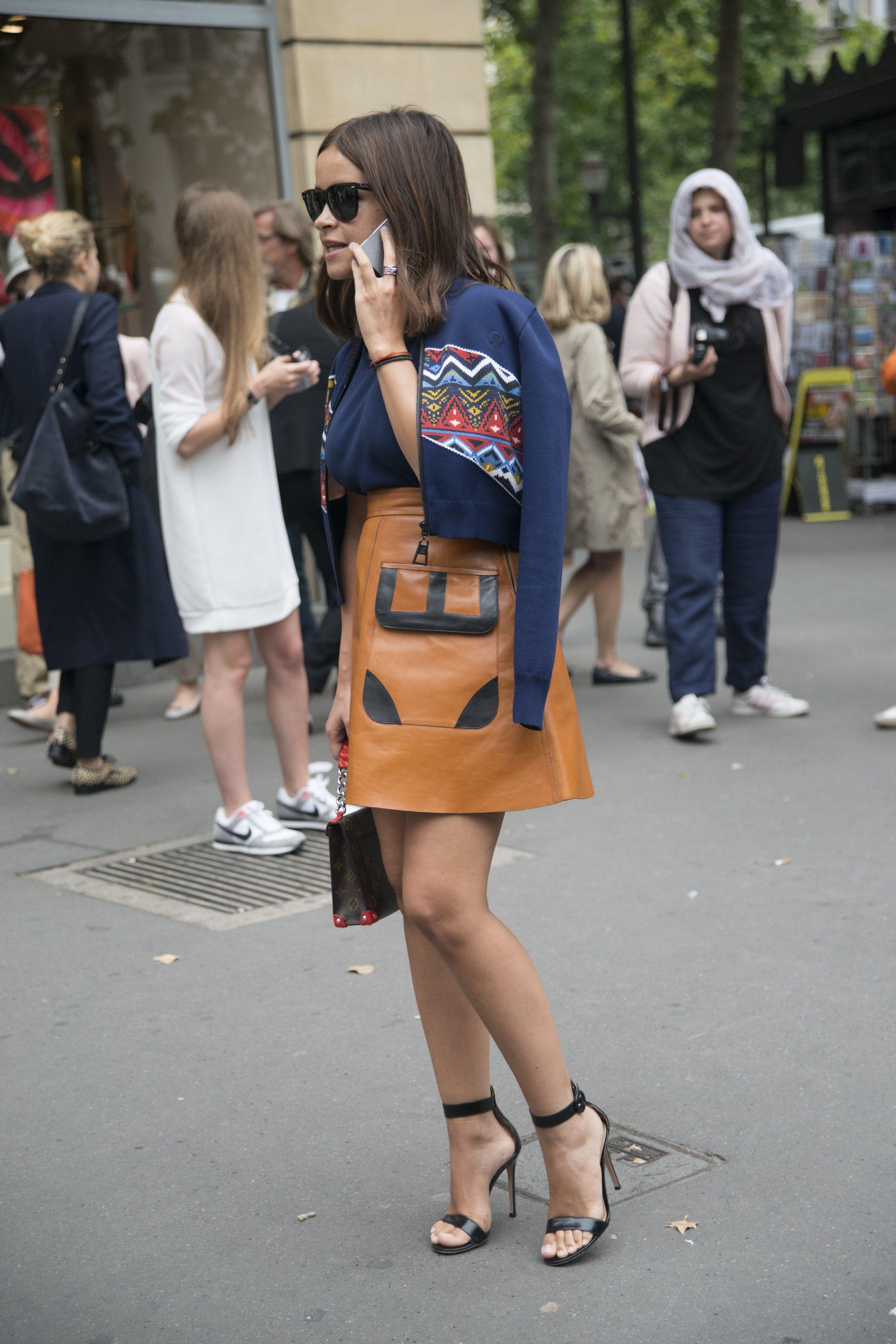 Street Style Stars Maternity & Pregnancy Style At Fashion Week | Grazia Fashion
