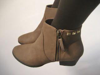 www.manualidadesytendencias.com Botines con tachuelas / Studded boots
