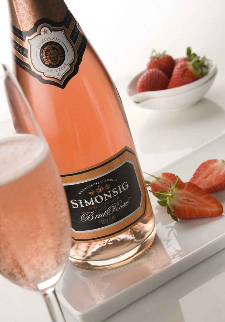 Simonsig-Brut-Rosé-2005-with-strawberries