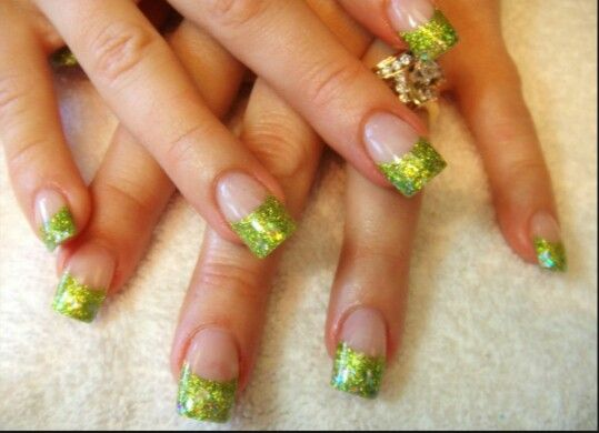 Good idea for St. Patrick's Day! Green. Sparkle. Acrylic