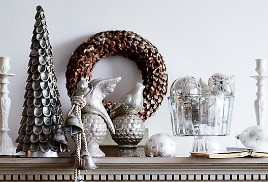 love the wreath and faux topiary