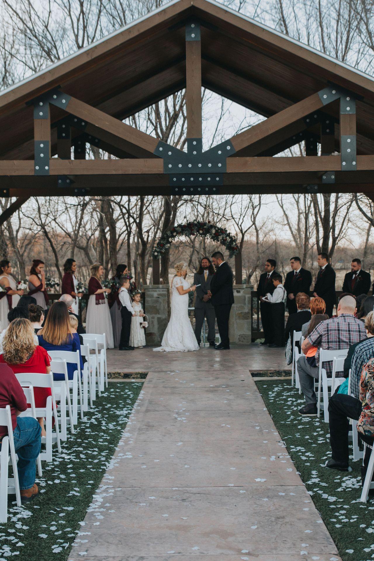 Oklahoma City Wedding Venue In Edmond In 2020 Outdoor Wedding