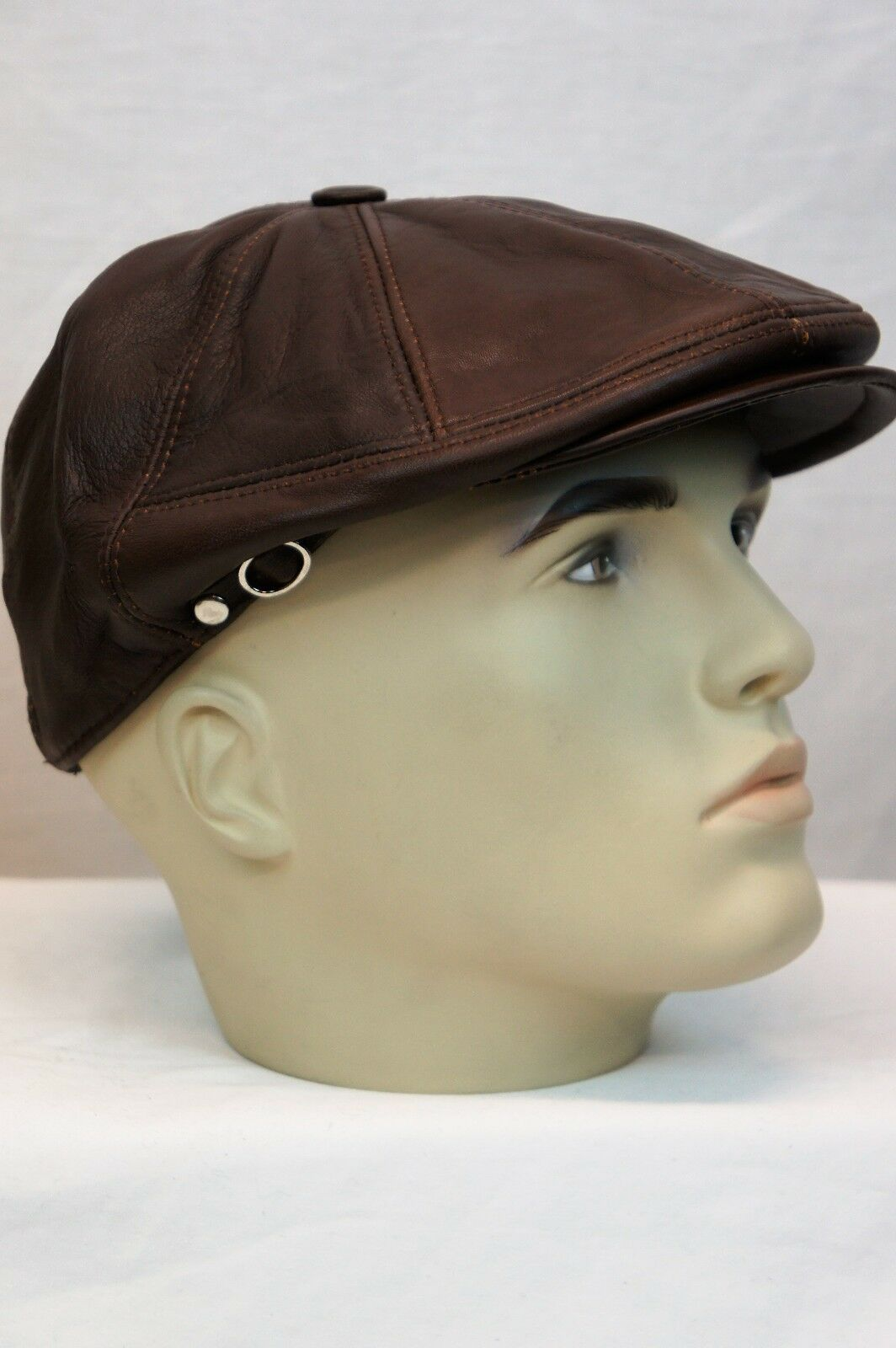 7ed469e641e09 WHISKEY 100% LEATHER Men Gatsby Cap Newsboy Ivy Hat Golf Driving Flat NWT S-