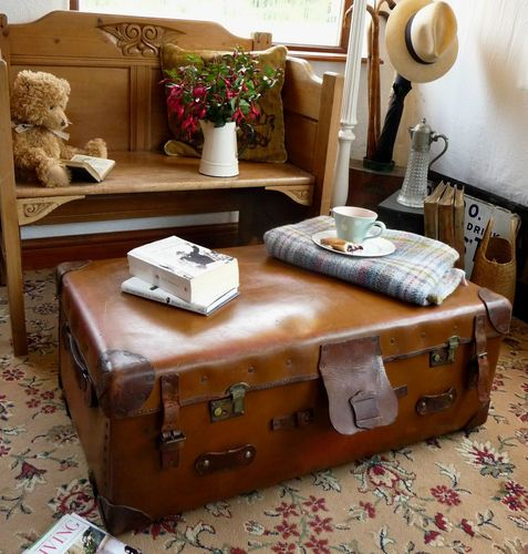 Old Vintage Railway Trunk Cabin Travel Trunk Suitcase Coffee Table