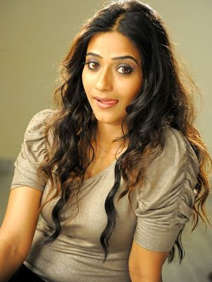 Aditi Sharma Cute Looking Wallpapers Glamorous Bollywood Actress