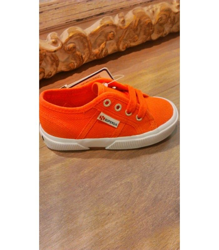 Comprar Zapatillas SUPERGA coral   Ámplia selección de calzado infantil a tu alcance en Mi Gatito Pepo. http://www.migatitopepo.es/4-zapatos-nina #calzadoinfantil #calzadoniña