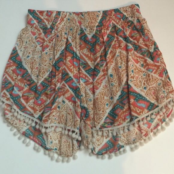super cute flowy shorts!! size medium super cute never worn out of the house! brand new without tags! size medium Alisha & Chloe Shorts