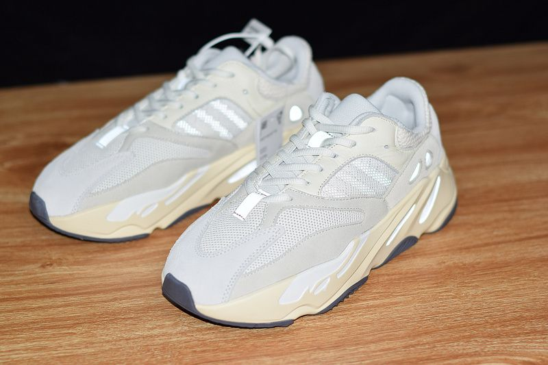 reputable site 955aa 6cd60 Early Look Yeezy Boost 700 Analog-KicksVogue
