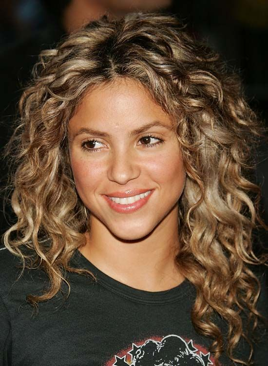 20 Amazing Hairstyles For Curly Hair For Girls Shakira