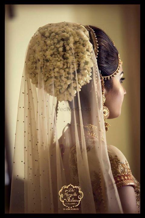 Pretty Gajra Hairstyle Bun For Your Wedding Wedmegood Indianweddings Gajra Hairstyle Bridalh Indian Bridal Hairstyles Bridal Hair Buns Bridal Hair Veil