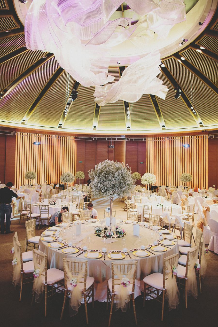 A romantic capella wedding filled with babys breath dylan and a romantic capella wedding filled with babys breath dylan and robyn junglespirit Gallery