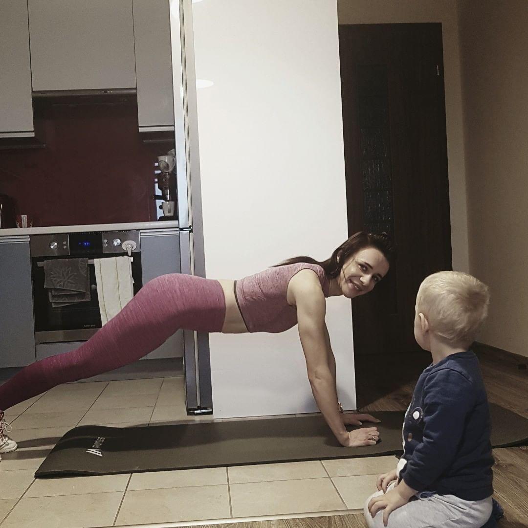 Najlepsze leginsy do cwiczen jakie miała.  #gym #fitgirl #fitness #fitmom #fitwomen