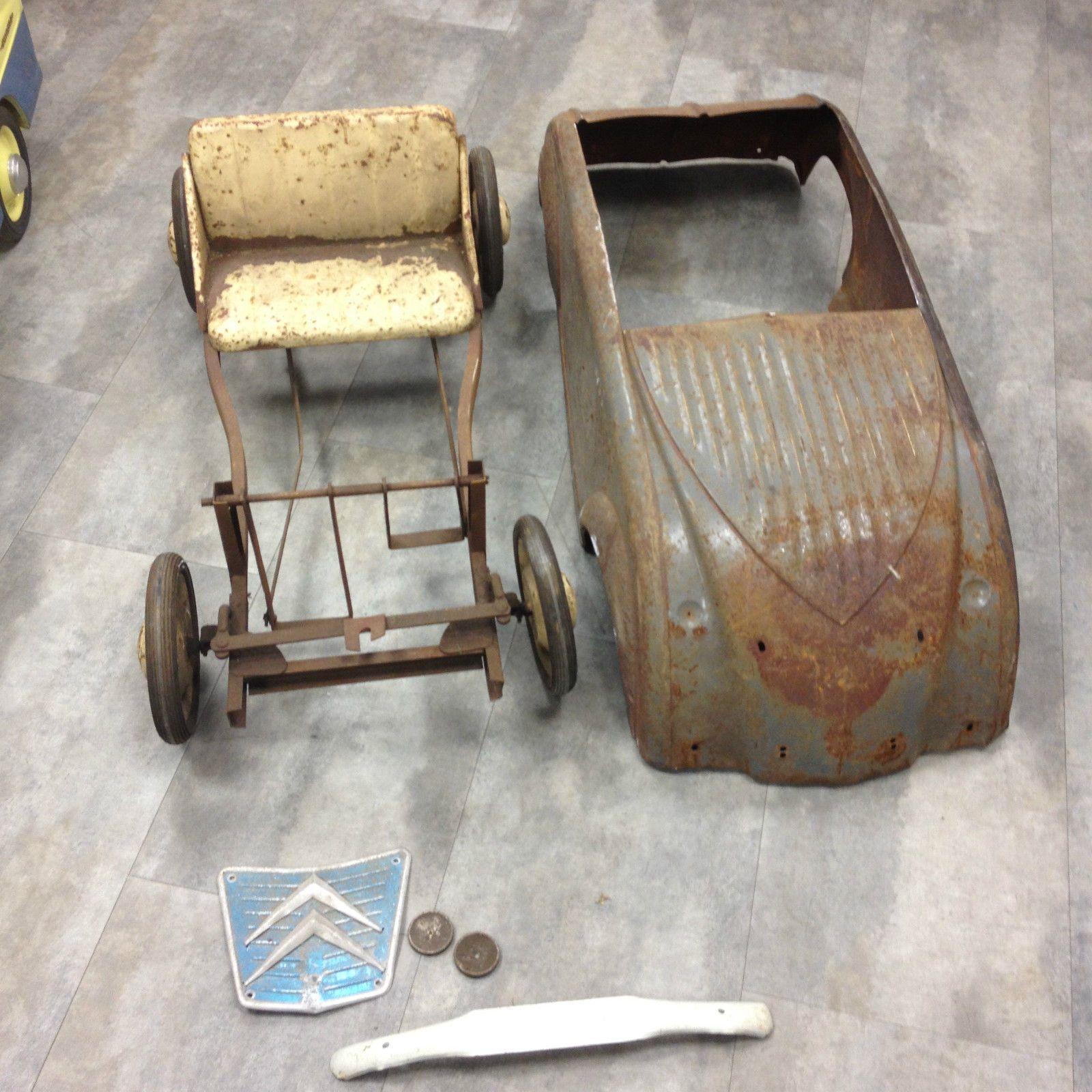 voiture  u00e0 p u00e9dales pedal car 2 cv citroen ann u00e9e 1955 marque