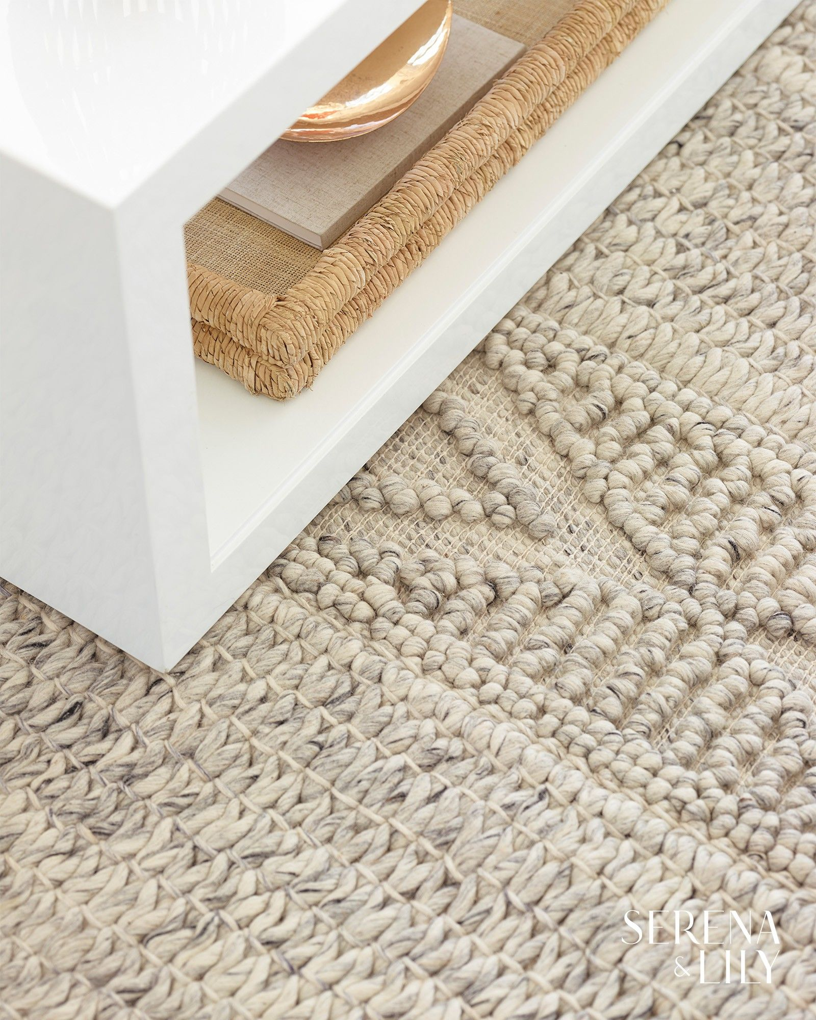 Made Of 100 New Zealand Wool This Gorgeously Neutral Rug Is As Gentle On Your Feet As It Is On Your Eyes Neutral Rugs Wool Rug Rugs
