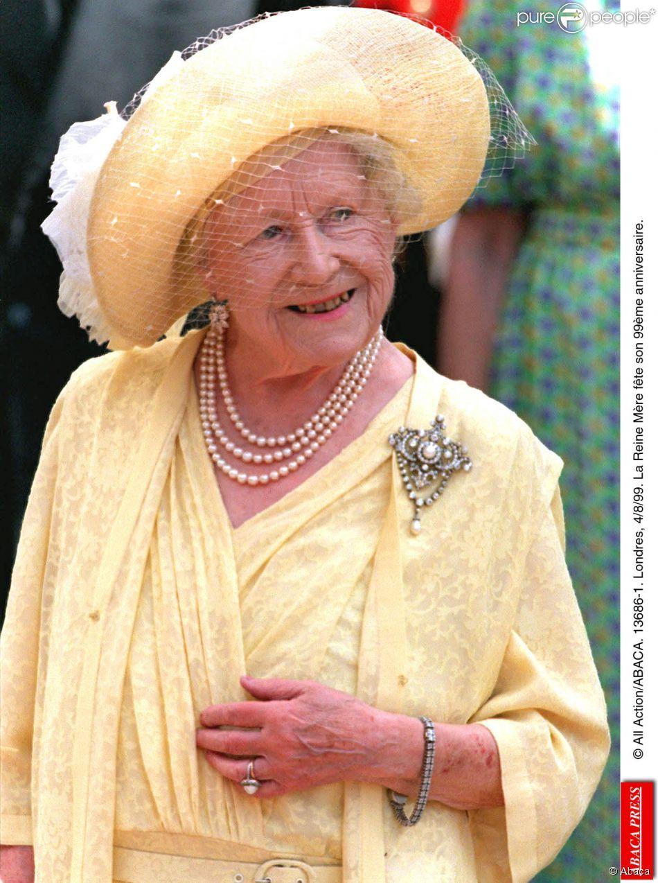 la reine m re elizabeth lors de son 99e anniversaire en 1999 stars reine reine m re et. Black Bedroom Furniture Sets. Home Design Ideas