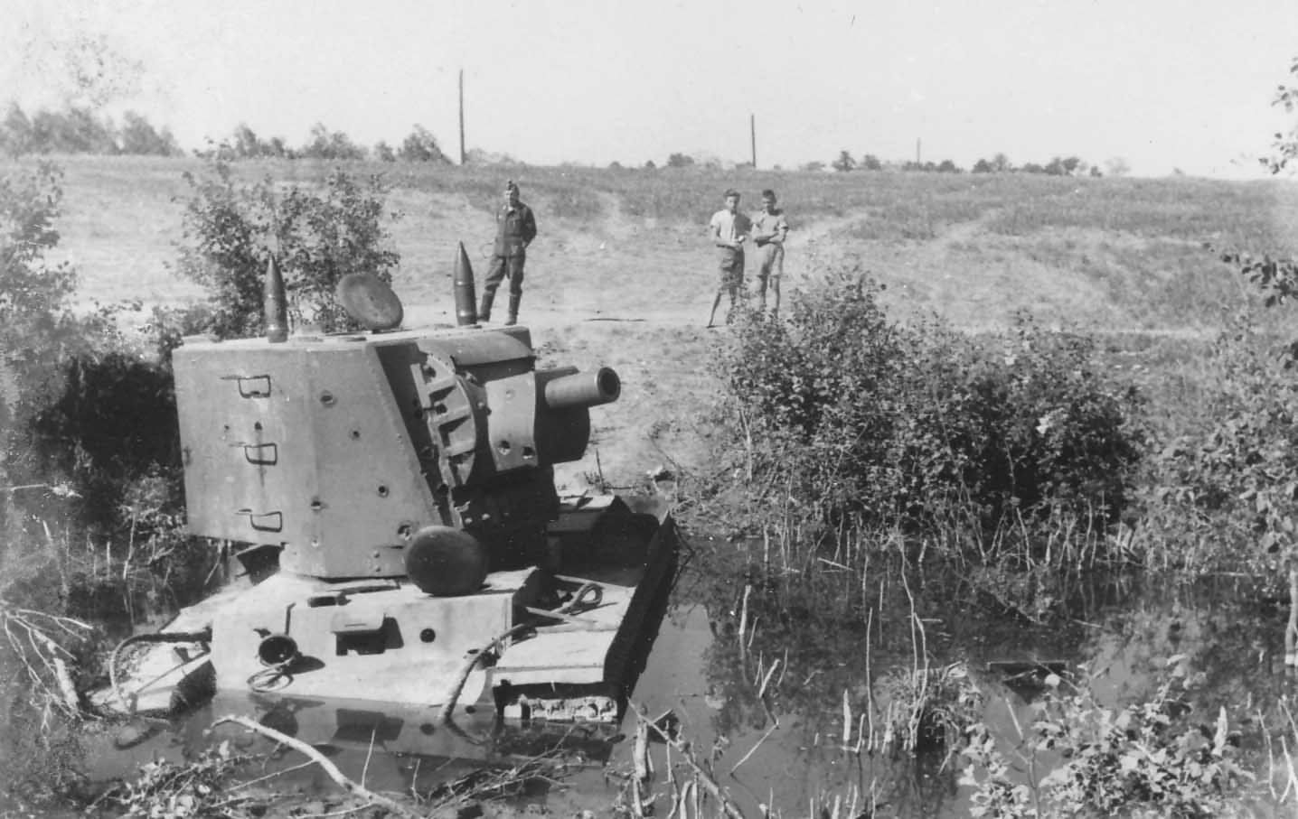 Kv 2 Tank With Mt 1 Turret Stuck In A Muddy River Bed Lithuania
