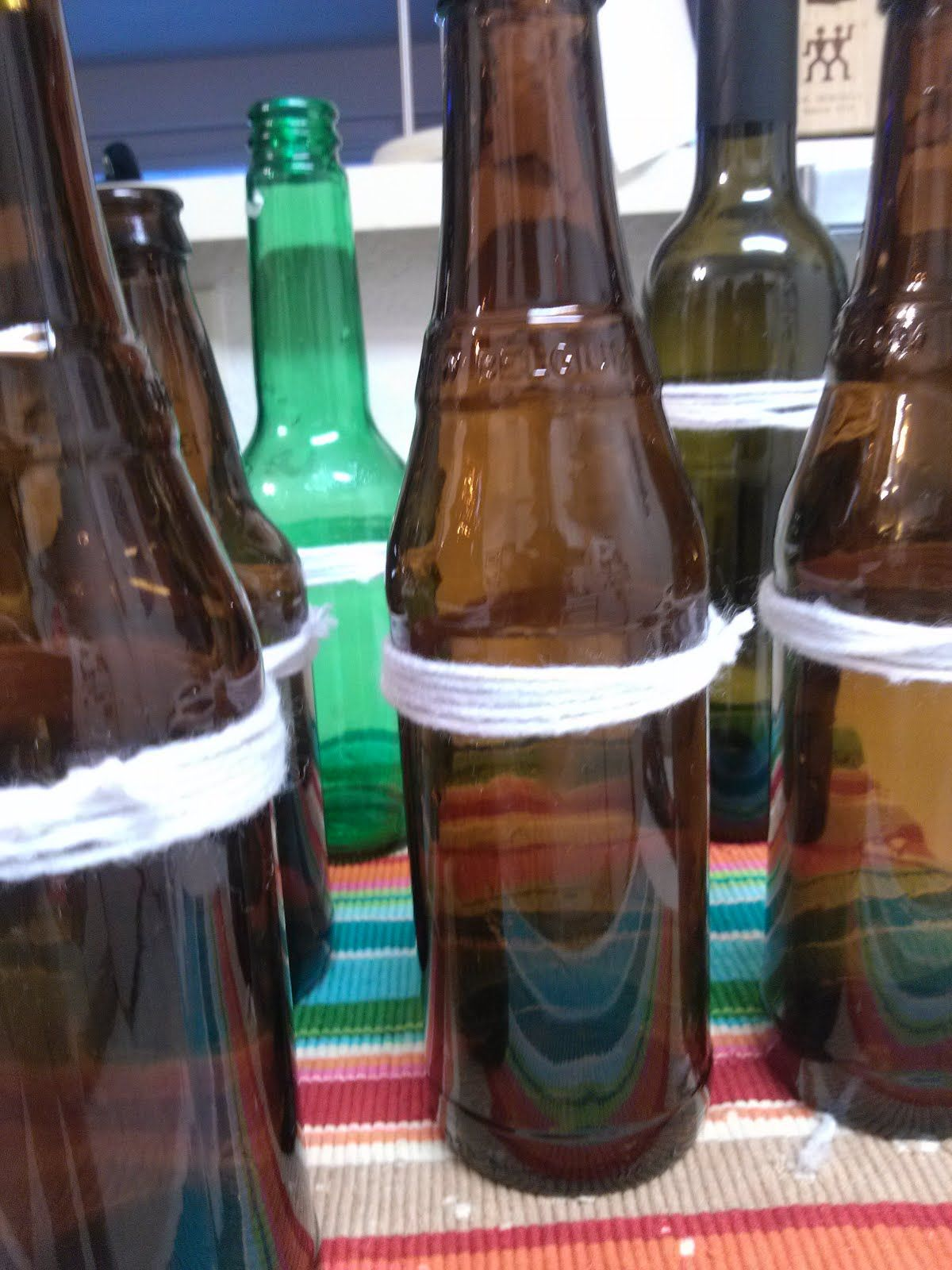 It's just a graphic of Smart Remove Labels From Beer Bottles