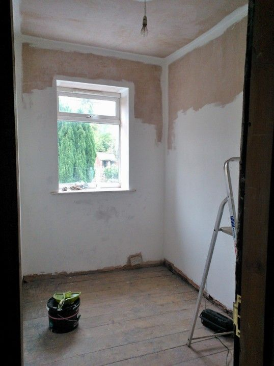 17.)  ...the Little Bed is painted as far as I can get without fetching the ladders...