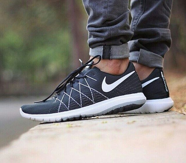 5116197d8758 Nike Flex Fury 2  Black White