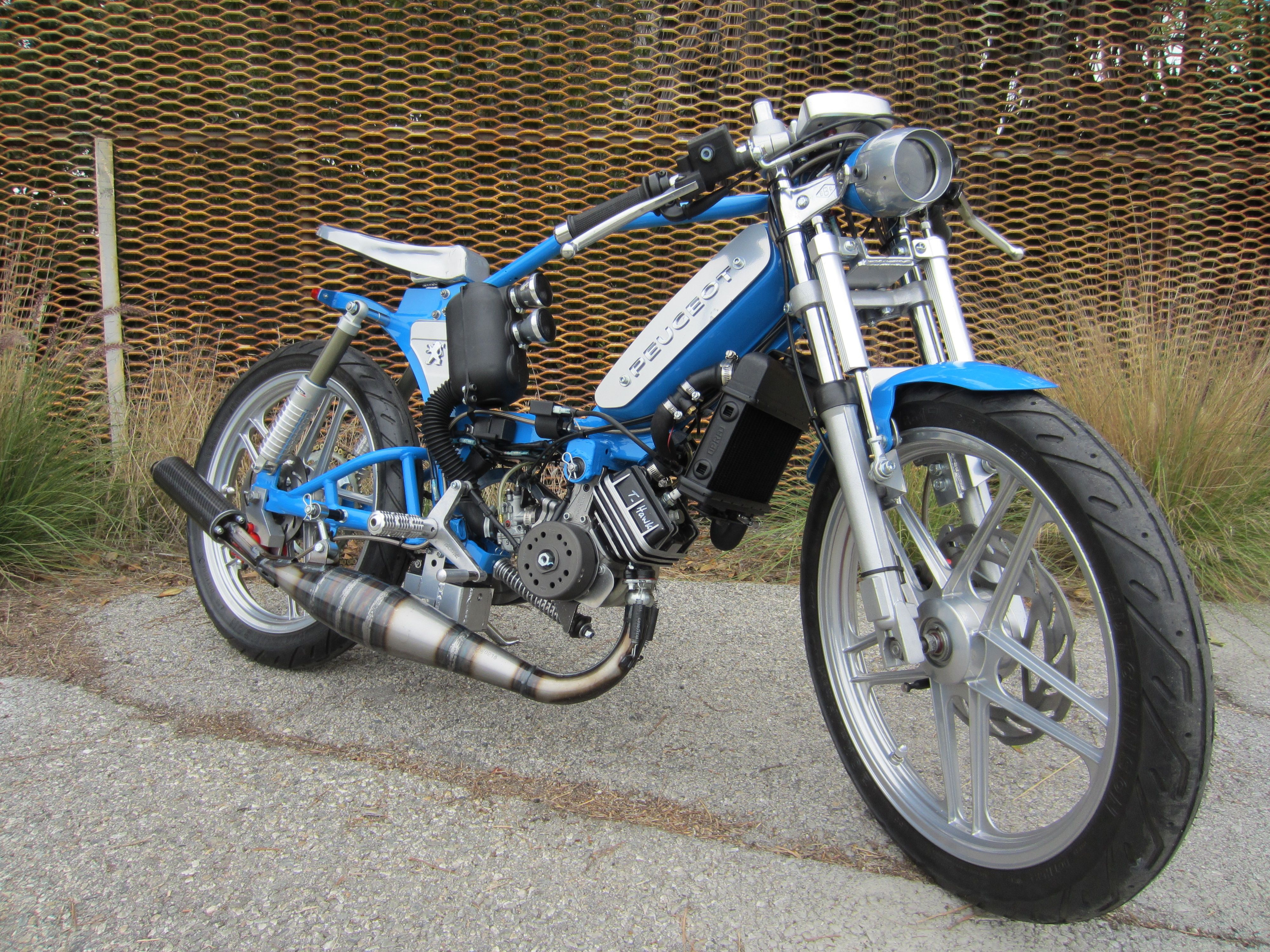 2 stroke 50cc scooters pinterest mopeds scooters and pit bike. Black Bedroom Furniture Sets. Home Design Ideas