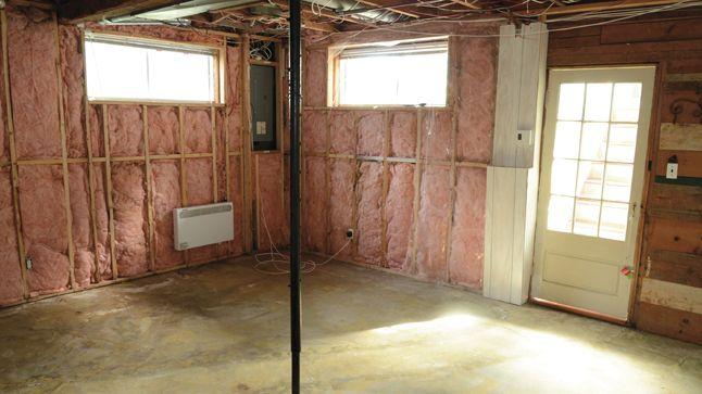Remise en état des murs et sol suite à un dégât des eaux Dépose du - peinture pour plafond fissure