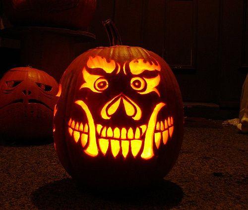 decorate your home for halloween using pumpkins k rbis. Black Bedroom Furniture Sets. Home Design Ideas