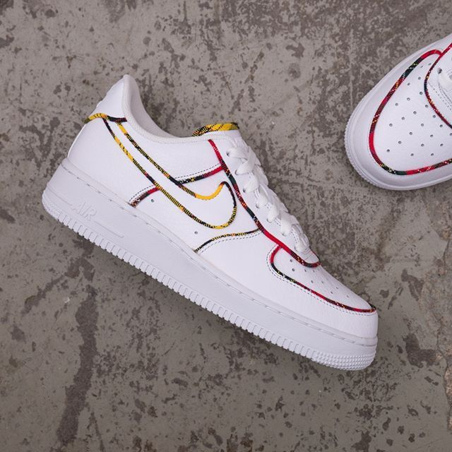 Nike Wmns Air Force 1 LO Tartan - AV8218-100 •• En vit AF1 a med ... 2e52eb93be1