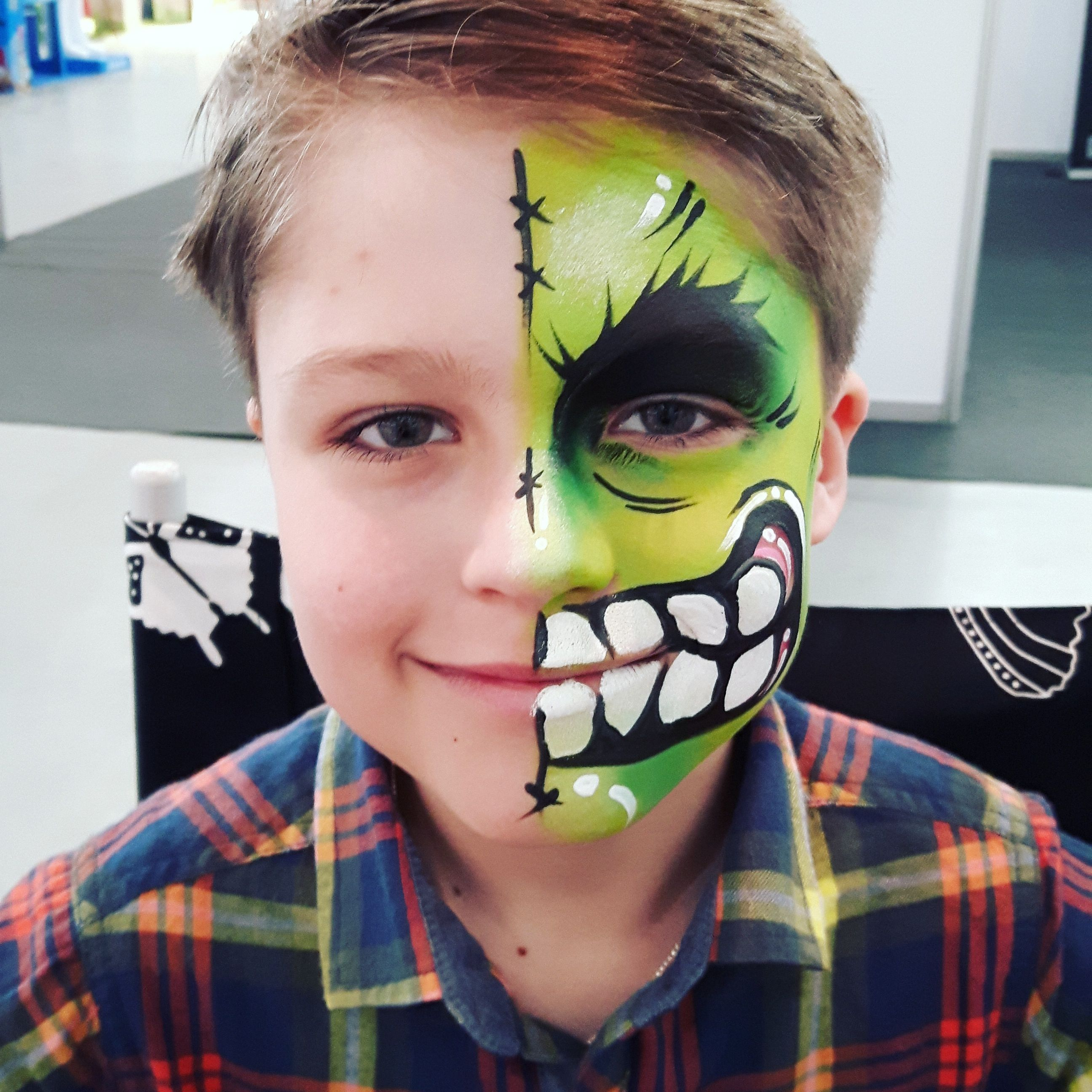 Schminktipps Halloween Kinder.Hulk Face Painting By Katarzyna Zielinska Kinder Schminken Halloween Schminken Kinder Gruselig Schminken