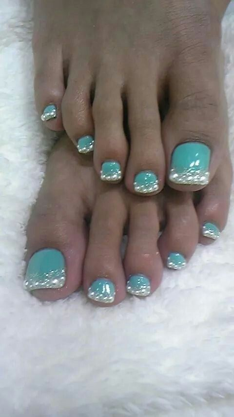 Cimino why are this girls toe nails so long? And then put glitter on the  end of those talons? Toenails are gross, but I like the color combo! - Great Toes! Toe Nail Designs, Pedi And Pedicures