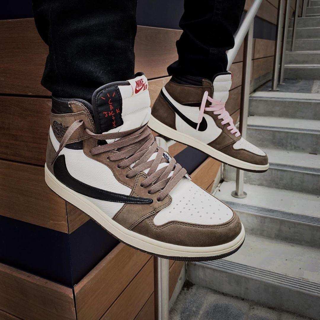 Travis Scott X Jordan 1 Backwards Swoosh Mocha In 2020 Jordan 1 Retro High Nike Air Jordan Shoes Shoes Sneakers Jordans