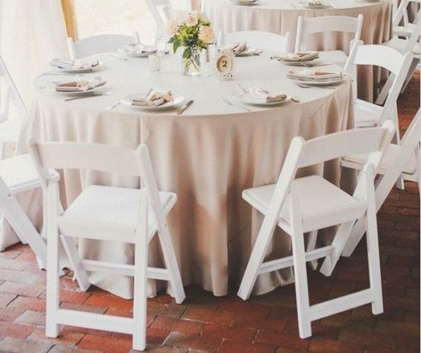 Simple Round Table Wedding Cloths Or Drapes For Your