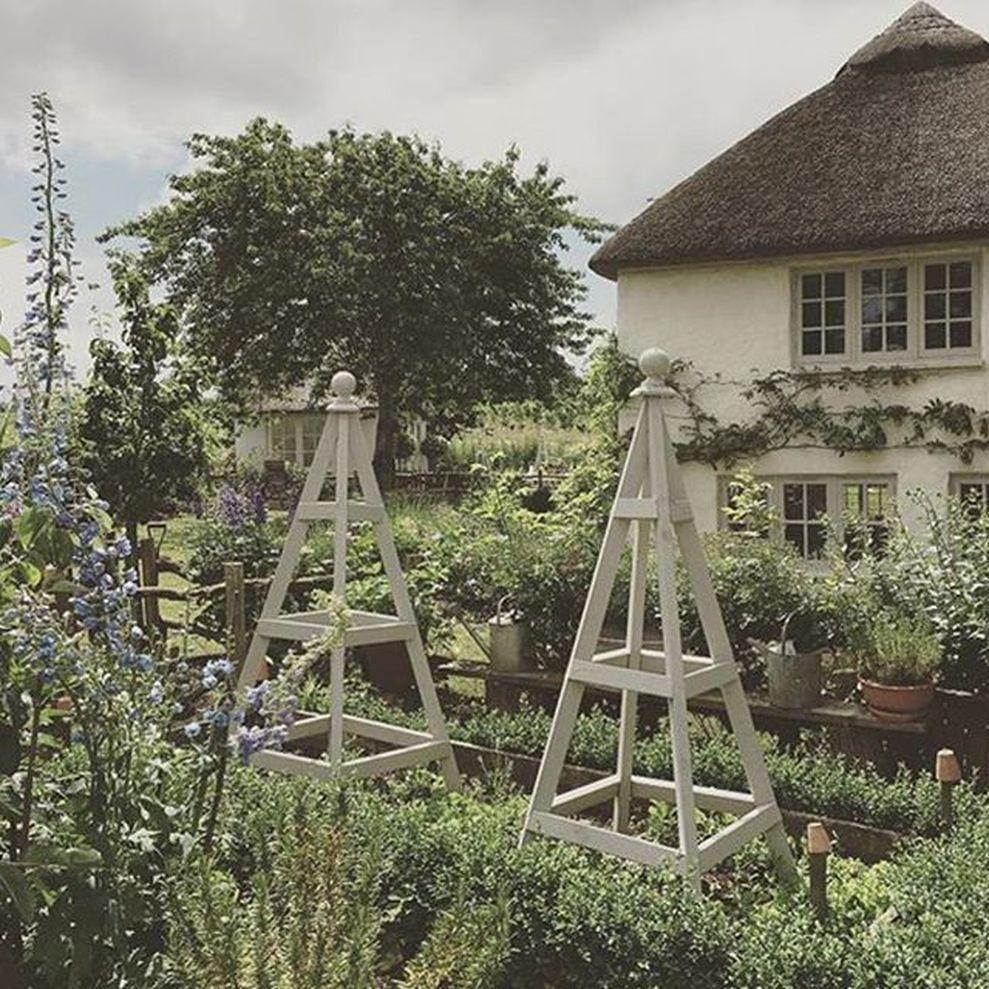 55 Beautiful French Cottage Garden Design Ideas Cottage Garden