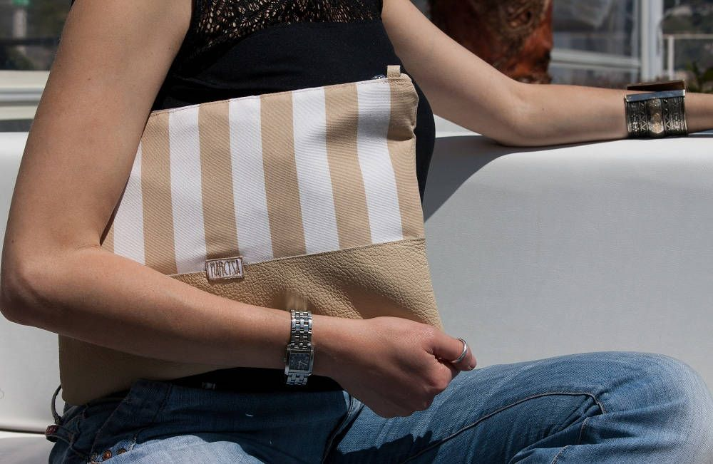 cool stripes for really handmade in Italy! #stripes#leather #tessue #cool #fashion #etsy #etsyseller #handmade #madeinitaly #etsysuccess #differencemakesus #bag #bags #girls #bagaddict #summer #summerbag #itgirl